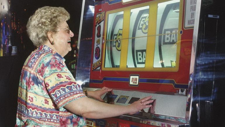 Todos Enlouquecem com as Slot Machines no SCasino